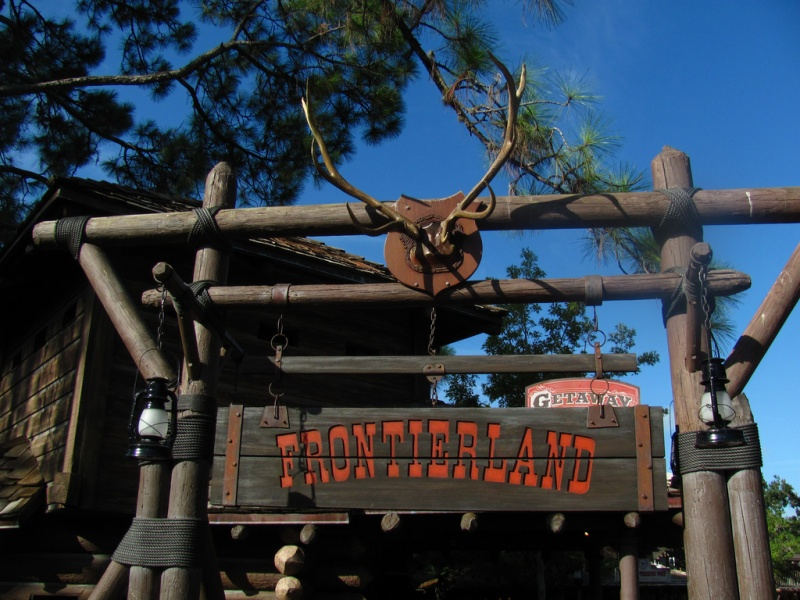 File:Frontierlandsign2.jpg